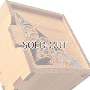 画像4: マオリデザインの木製小箱(MAORI/マオリ)