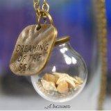 海モチーフ・ガラスドームのネックレス