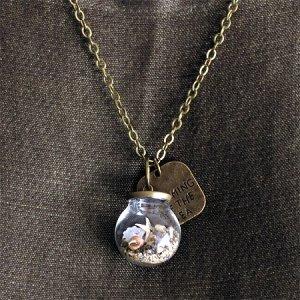 画像2: 海モチーフ・ガラスドームのネックレス